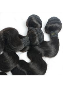 Top Grade Natural Color Wavy Peruvian Virgin Hair Weave Body Wave Human Hair Bundles pictures & photos