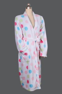 Ladies′s Warm Conformable Bathrobe Make of Coral Fleece pictures & photos