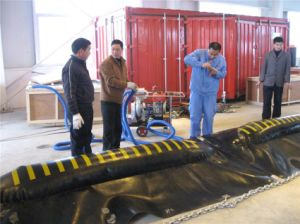 Chinese Environmental Protection Inflatable Rubber Oil Fence pictures & photos