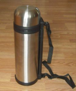 Stainless Steel Vacuum Travel Flask with Folding Handle and Carry Strap pictures & photos