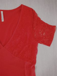 Sexy Summer Deep V-Neck Lace Sleeve T-Shirt pictures & photos