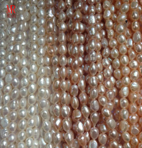 AAA Grade Baroque Nugget Freshwater Pearls pictures & photos