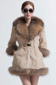 Women′s Three Quarter Sleeve Rabbit Fur Coat with Raccoon Fur Collar pictures & photos