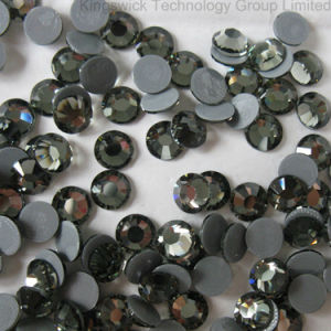 China Factory Wholesale Crystal Hot Fix Rhinestone Design for Clothes pictures & photos