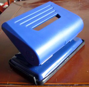 Two Hole Plastic Office Punch/Paper Punch/Two Hole Punch pictures & photos