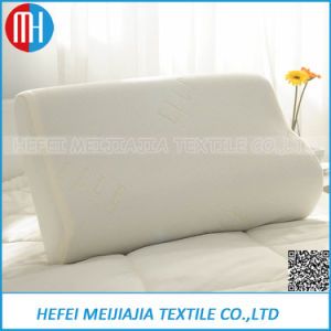 Manufacturers Deluxe Queen Bamboo Shredded Memory Foam Pillow pictures & photos