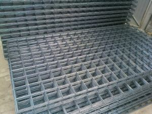 Hot Selling Cheap Solid Iron Welded Wire Fence Mesh / Multifunctional Cheap Solid Iron Galvanized Welded Wire Mesh Panel pictures & photos