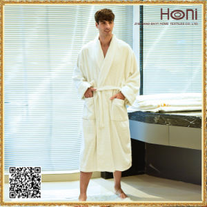 100% Cotton White Waffle Hotel Bathrobe with Embroidery Logo pictures & photos