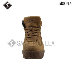 Good Quality Men Outdoor Climbing Shoes and Boots pictures & photos