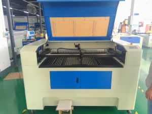Widely Used CO2 Laser Cutting&Engraving Machine for Non-Metal pictures & photos