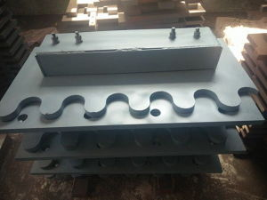 Hot Sale Bridge Expansion Joint Made in China pictures & photos