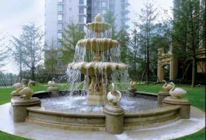 Sandstonepolyresin Material Sculpture Water Spray Square Fountain pictures & photos
