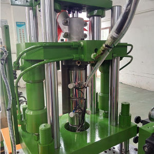 Zipper Automatic Open Closed End Injection Molding Machine pictures & photos