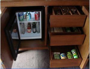 Orbita 30L No Compression Minibar Mini Bar Fridge Refrigerator with Black Door for Hotel pictures & photos