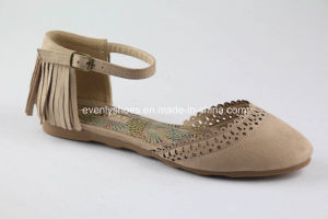 Flat Heel Fashion Lady Sandal with Tassels pictures & photos