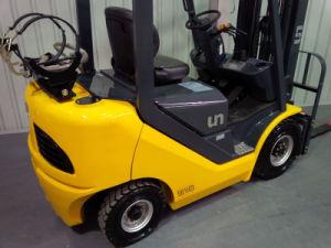 Un 1.5t LPG/Gasoline Forklift with Nissan K21 Engine pictures & photos