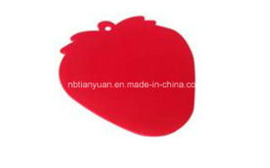 PP Chopping Board in Strawberry Shape pictures & photos