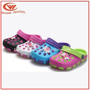 Kids EVA Clogs Beach Cartoon Wear Non-Slip Garden Sandals for Children pictures & photos