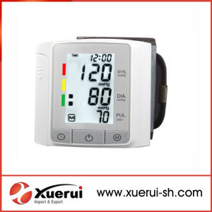 Digital Wrist Blood Pressure Monitor pictures & photos