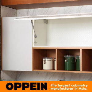 Oppein Modern White Flat Laminate Modular Wood Kitchen Cupboard (OP15-038) pictures & photos