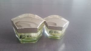 The Beauty Cosmetic Packaging Bottle From Packaging Material Manufactures Qf-041 pictures & photos