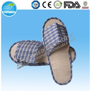 Hotel Slipper with Embroidery Logo Velvet Slipper in Door pictures & photos