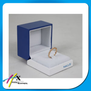 Unique Custom Logo Velvet Plastic Gift Jewelry Ring Packaging Box pictures & photos