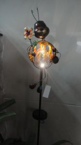 Metal Animal and Insects Shape Crafts with Solar Lamp pictures & photos