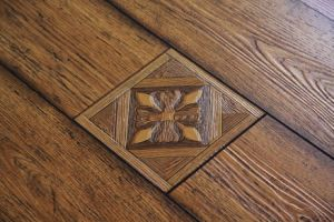 Wooden Laminate Flooring pictures & photos