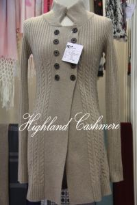 Ladies′cashmere Polo Neck Cardigan with Cables Computerized pictures & photos