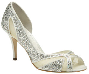 High-Shine and Attractive Bridal Middle Heel Pumps with Diamonds