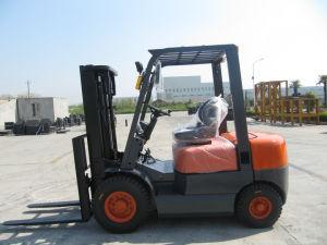 Counter Banlanced Diesel Forklift (2 Ton)
