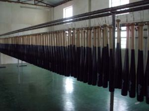 Rubber Wood Baseball Bat for Practice (B06205) pictures & photos