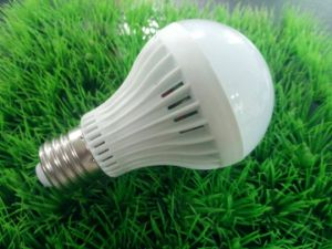 LED Global Lamp 5W/7W/9W/11W LED Bulb pictures & photos