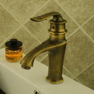 Bronze Single Lever Lavatory Faucet (6617) pictures & photos