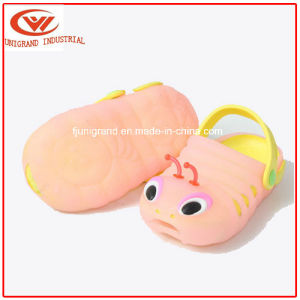 Summer Children Plastic Sandals Slipper EVA Clogs for Kids pictures & photos