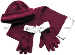 Promotion Winter Warm Lady Knitting Polar Fleece Set pictures & photos