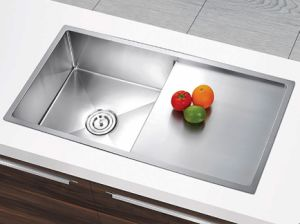 18 Guage Ss304 Stainless Steel Handmade Single Bowl Kitchenware Sink with Board (YX8744)