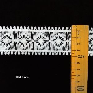 Hm Lace Factory Trim Lace Circle Heart Shape Embroidered Africa Lace Trimming pictures & photos