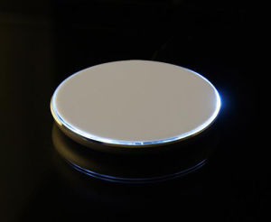 Ultra-Thin Metal Round Universal Qi Standard Wireless Mobile Phone Charger pictures & photos