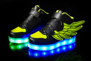 Kids USB Charging LED Light Sport Wings Shoes Flashing Sneakers pictures & photos