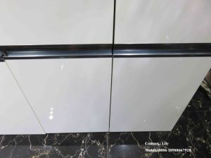 UV MDF High Glossy Kitchen Cabinet (Zh956) pictures & photos