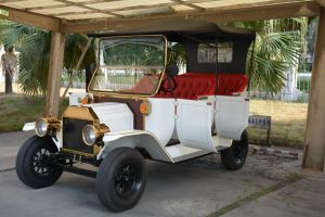 Rariro Durable 5kw Antique Model T Coupe Electric Tourist Car pictures & photos