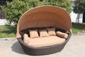 Round Wicker Daybed with Canopy pictures & photos