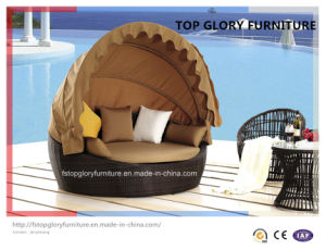 Outdoor Rattan Round Sun Bed with Canopy (TGLU-11) pictures & photos