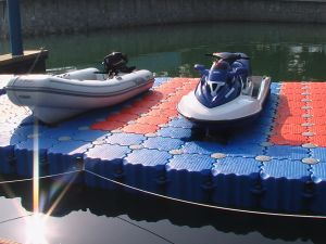 Skid Resistant Surface Floating Docks and Pontoon Docks for The Jet Ski&Boat for Kayak pictures & photos
