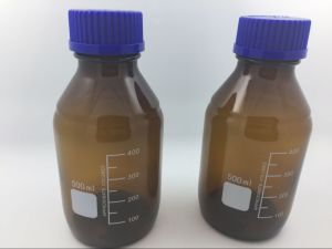 Laboratory Glass Amber Borosilicate Reagent Bottle with Screw Cap Glassware pictures & photos