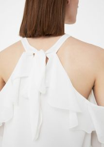 Flowy Fabric Shoulders Blouse pictures & photos