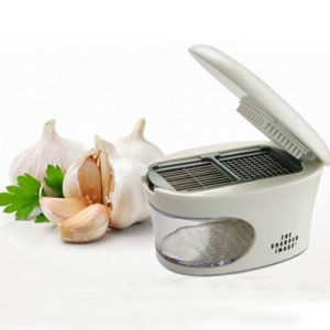 Garlic Press, Garlic Chopper, Garlic Slicer pictures & photos