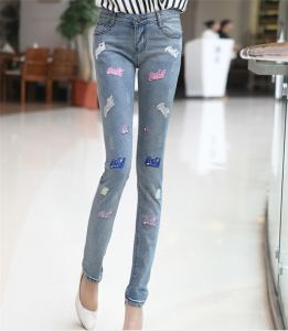 Women′s Hot Wholesale Slim Fit Embroidery Denim Jeans pictures & photos